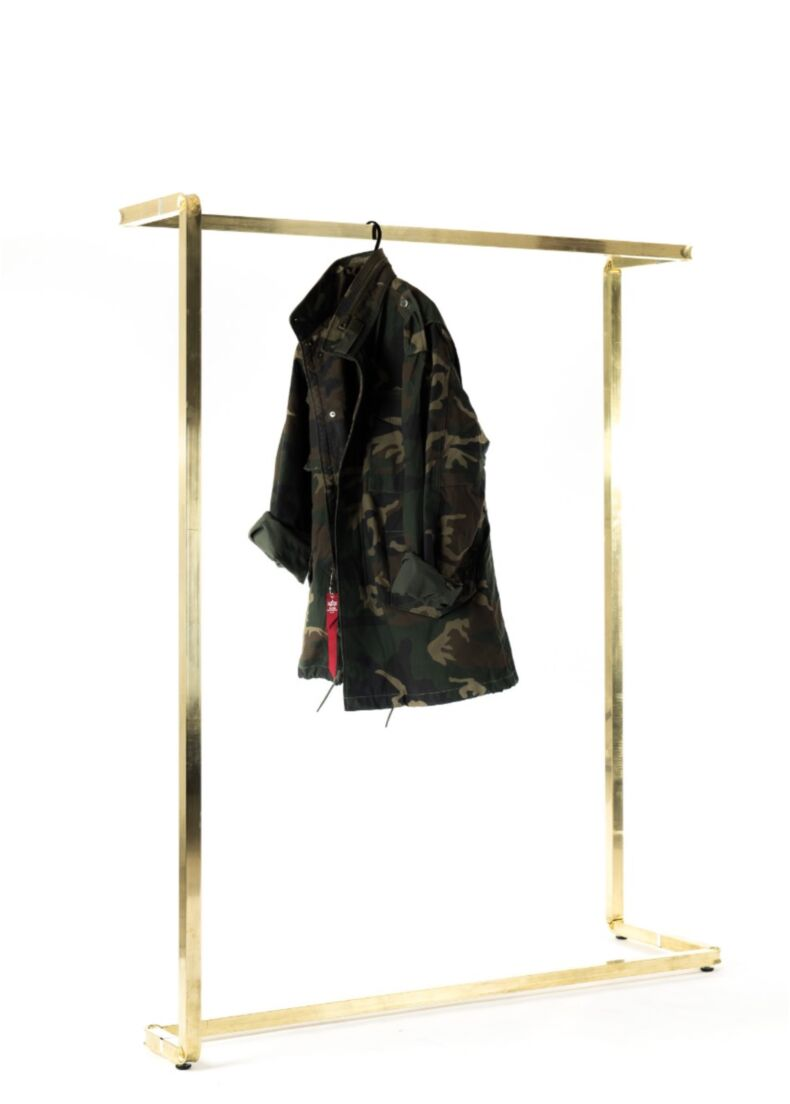 design stender clothes hanger for luxury retail and showroom or fashion show, runway show, fashion brand event by situér milano